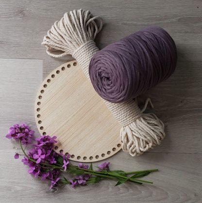 Wooden basket bottom with t-shirt yarn