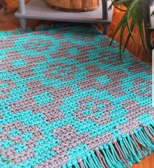 Crochet tapestry rug