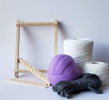 mini pine loom with fibre