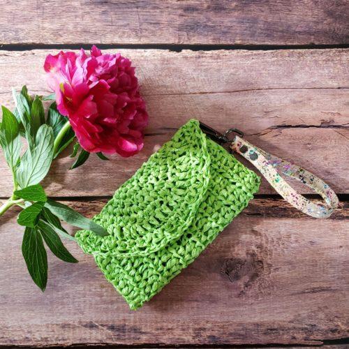 crocheted clutch raffia yarn